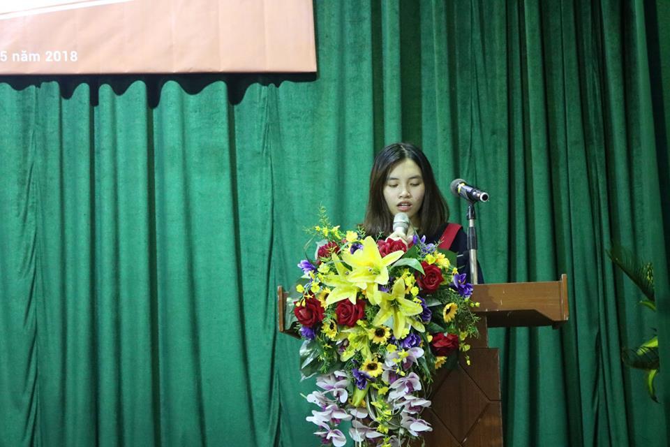 Xúc động bài phát biểu của đại diện sinh viên K29 tại lễ tốt nghiệp